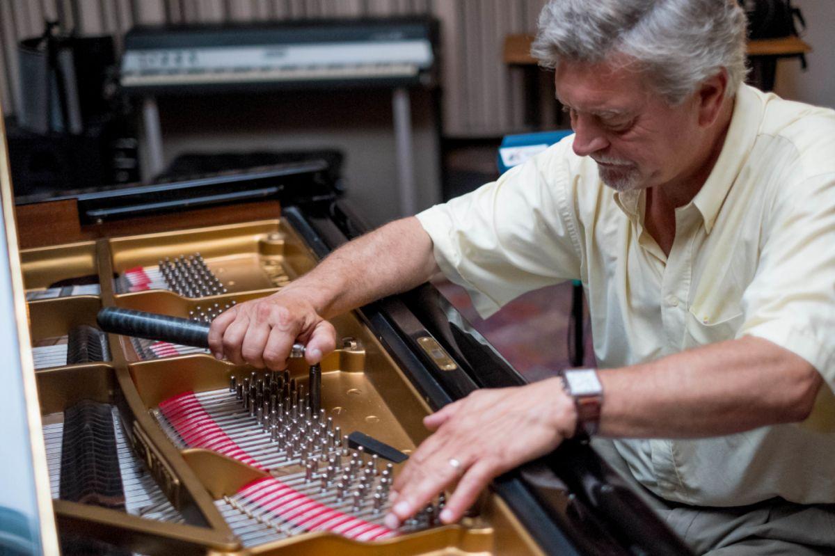 Pascal Aubin accordeur et facteur de pianos